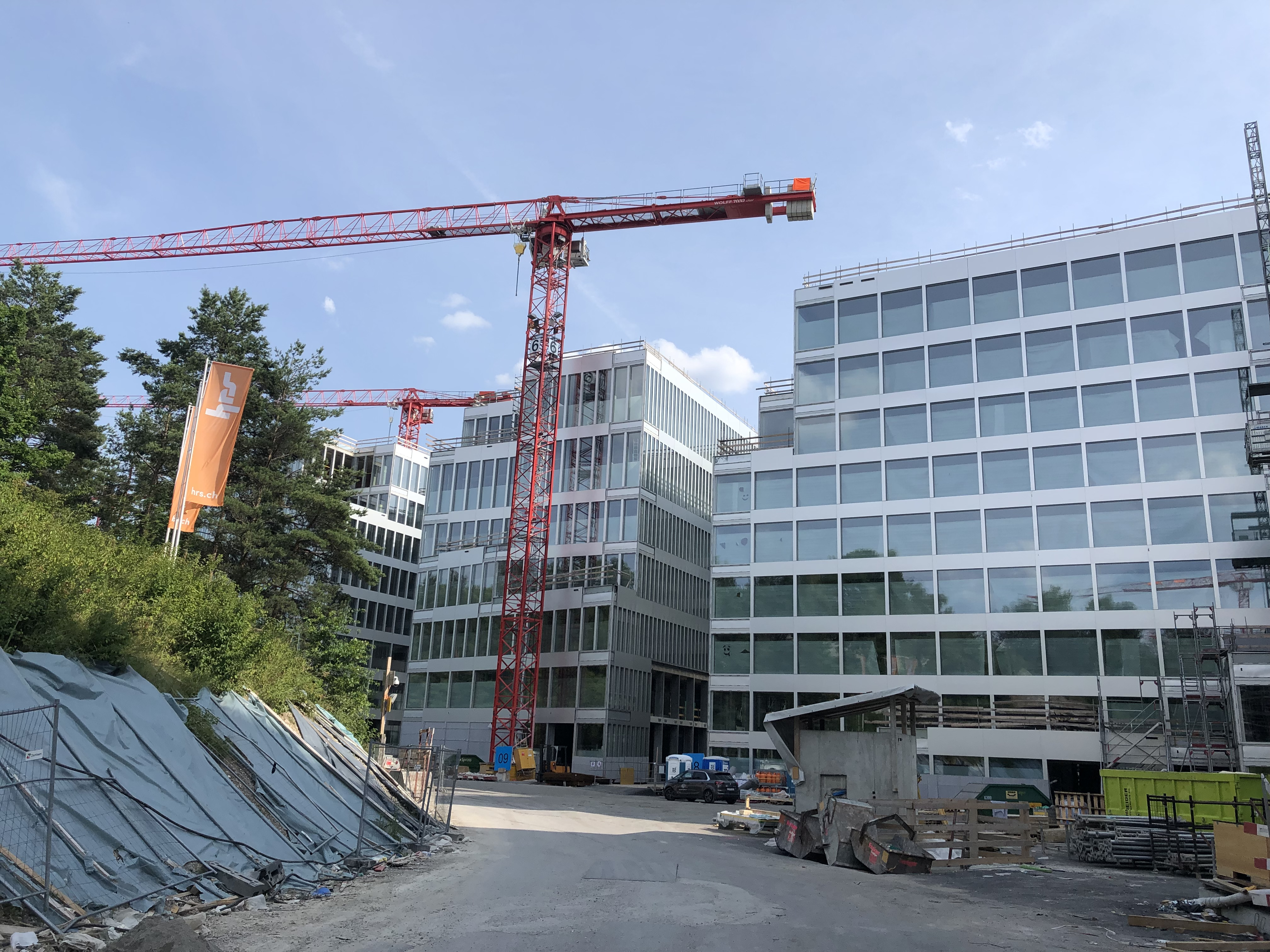 The Circle – the largest construction site in Switzerland and medifa right in the thick of it